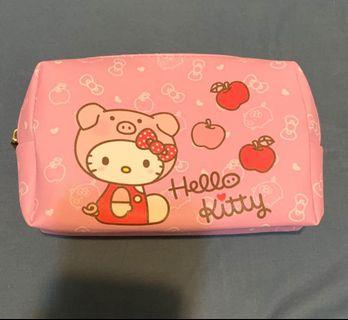 hello kitty 新年福袋化妝包