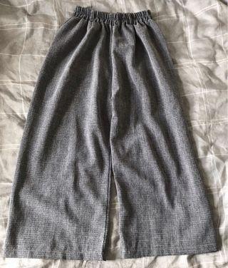 灰色紋寬褲