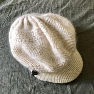 白色氣質款毛帽