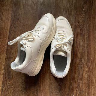 Tread by Everlane Off White Sneakers