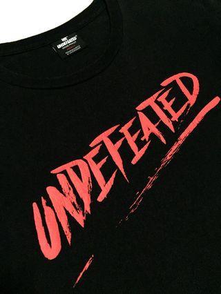 Undefeated Script Crew 字體 LOGO TEE