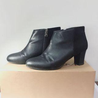 雙材質 質感黑色短靴