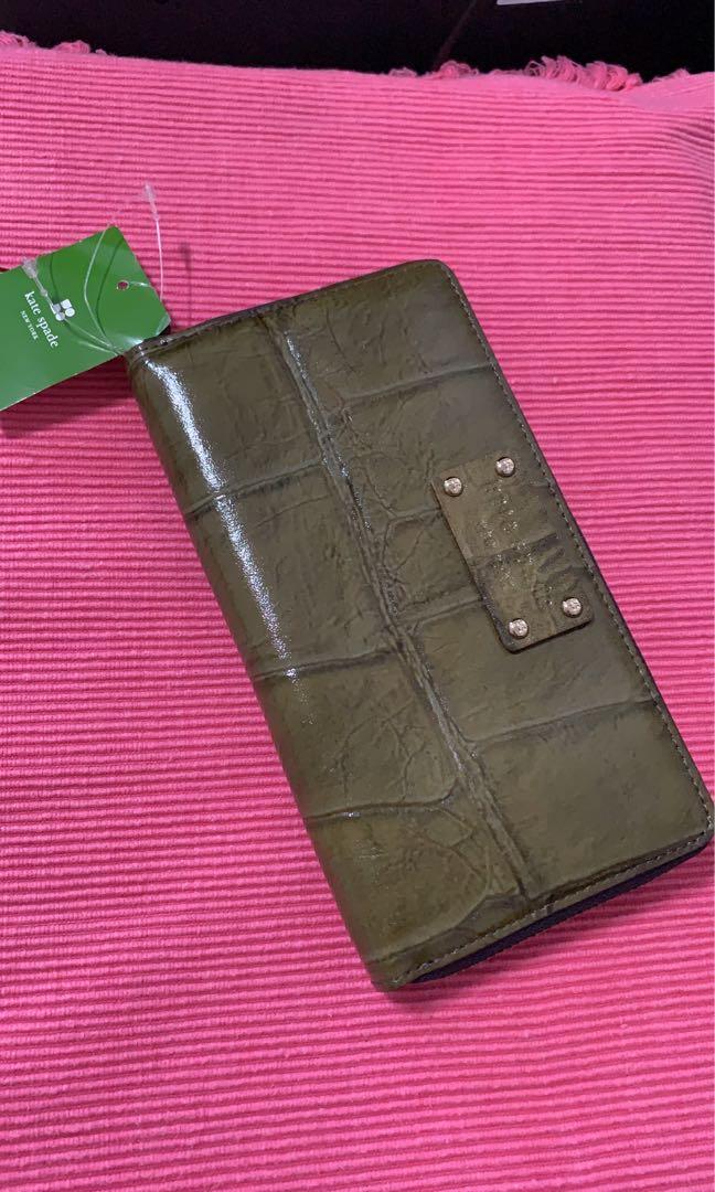 Brand new Kate Spade ladies wallet $100