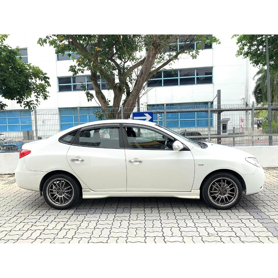 Hyundai Avante in good condition/ For personal use Grab Go Jek PHV