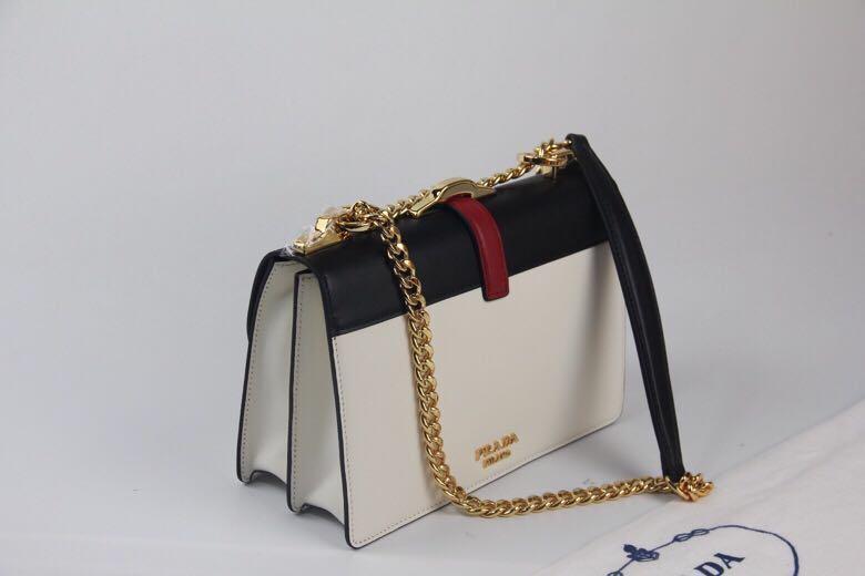 PRADA Belle Leather Bag, SUPERMIRROR :  1BA188 w24xh16.5xd9cm   @ 3. 5jt  (Dijamin Bagus, Mirip Asli)