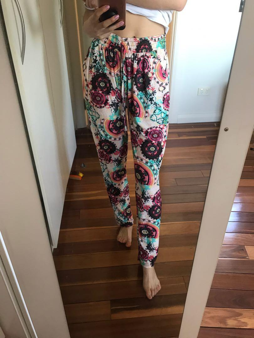 Super breezy and light mandala print boho gypsy pants size small