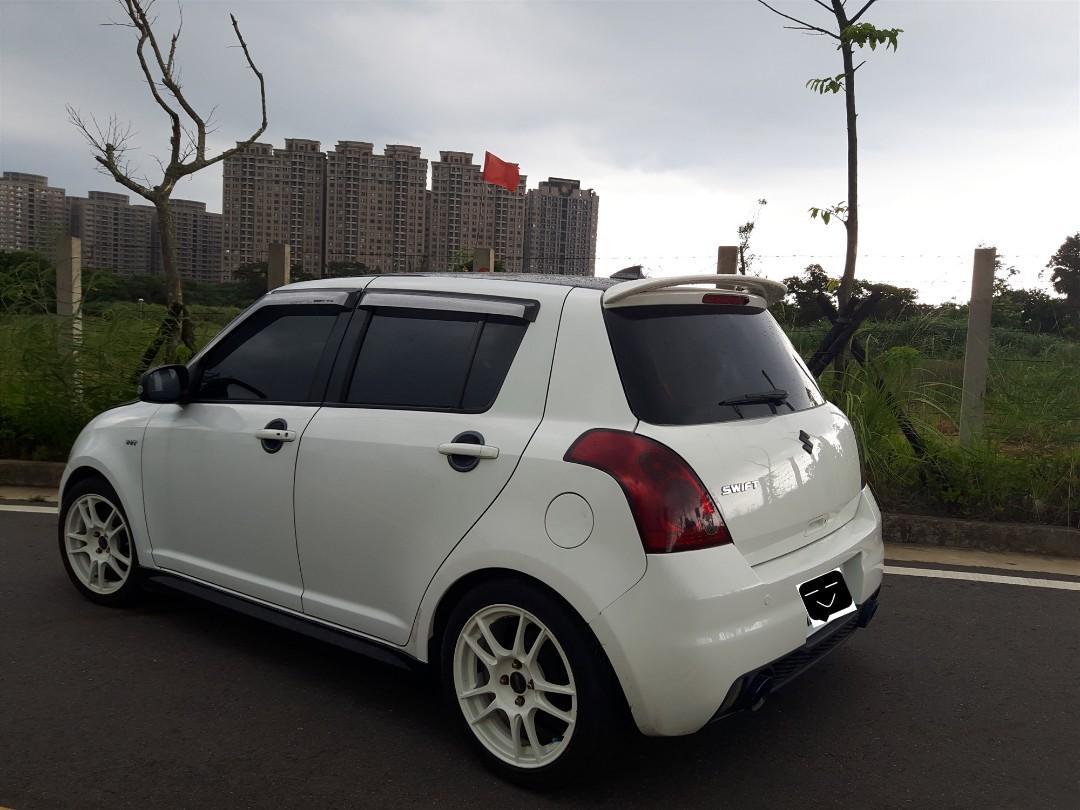 Suzuki Swift 白