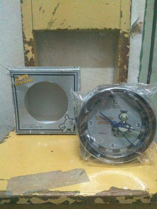 Donald duck oldies clock