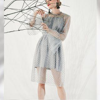 Dress Pesta Tile Brukat Grey