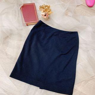 日本專櫃品牌 超精緻 內裡真絲材質 office 質感適合面試超氣質半身裙過膝蓋#恭喜旋轉七歲了