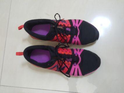 New Balance慢跑鞋(可議價)