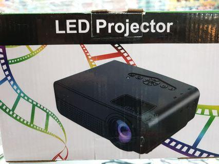 LED mini projector(HDMI USB AV Card slot)