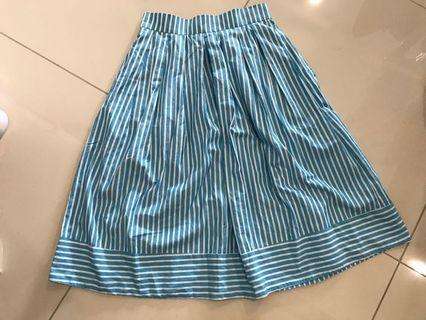 Key Ng Blue cute stripe Midi Skirt