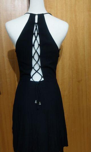 S) forever 21 露背造型黑洋裝 black dress