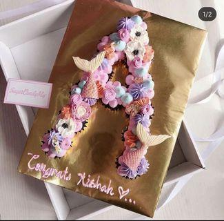BUY 1 FREE ONE LETTER/NUMBER MONOGRAM CUPCAKES