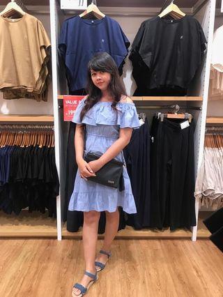 Dress sabrina biru