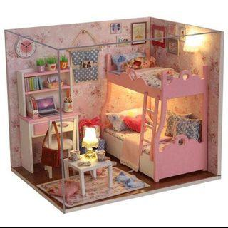 🚚 In stock Dollhouse