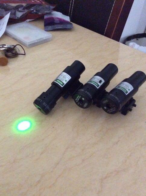 激光瞄準器