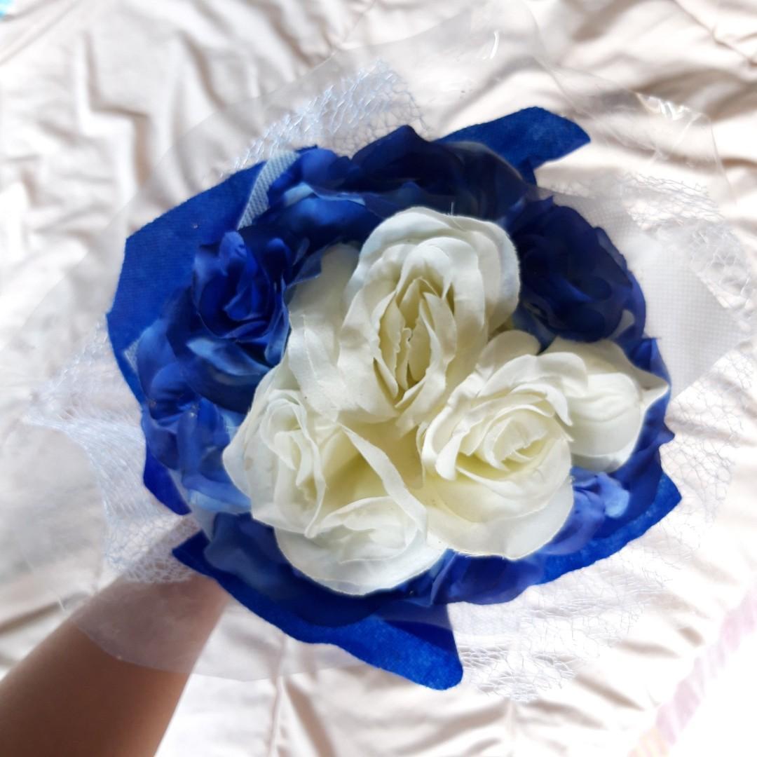 Buket Bunga Besar Palsu Big Flower Bouquet Biru Blue Desain Kerajinan Tangan Lainnya Di Carousell