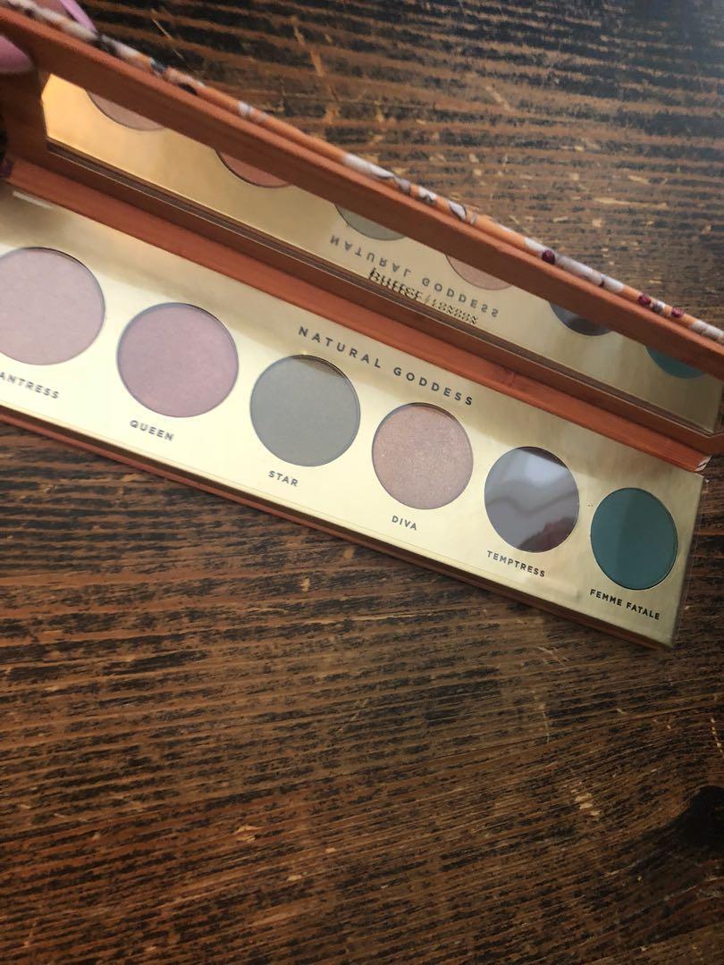 Butter eyeshadow palette