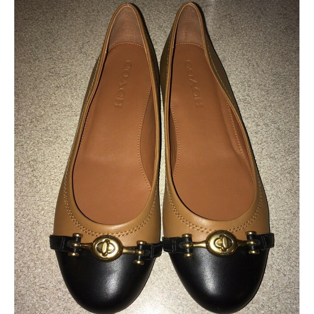 Coach Women's Leila Flats Loafer Shoes Saddle / Black with Gold Logo MADE IN ITALY Size: US 7.5 Medium. Original Price USD$275