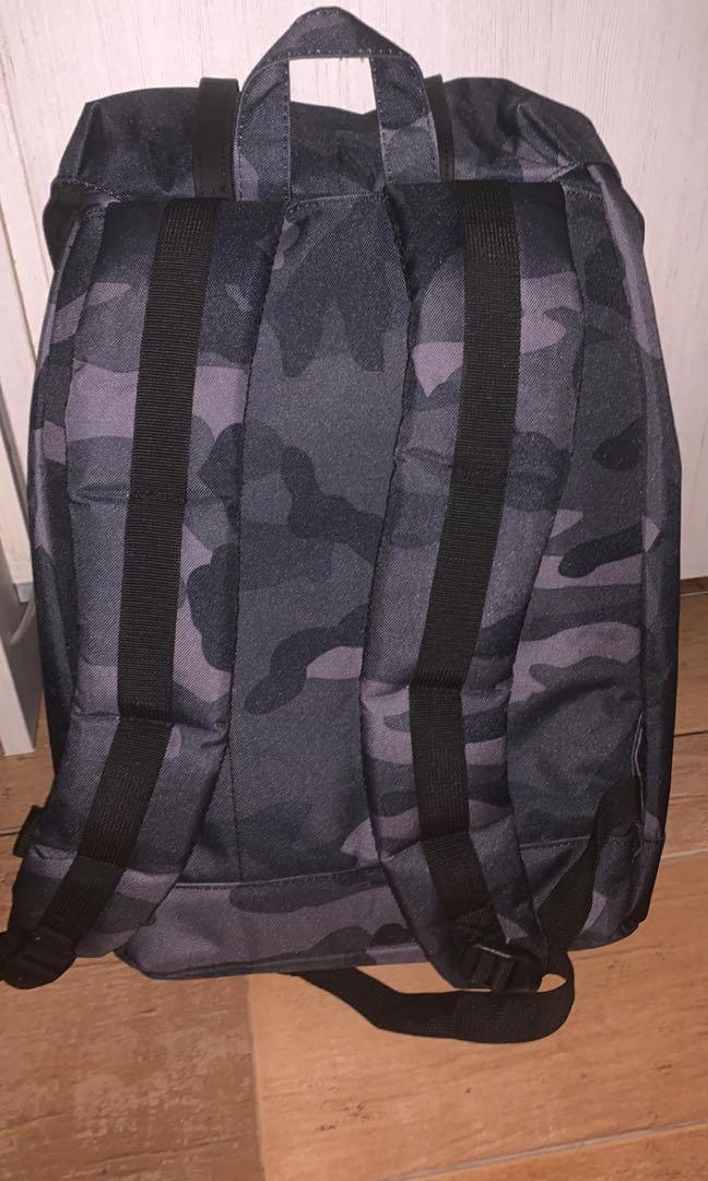 Herschel Night Camo Retreat Backpack