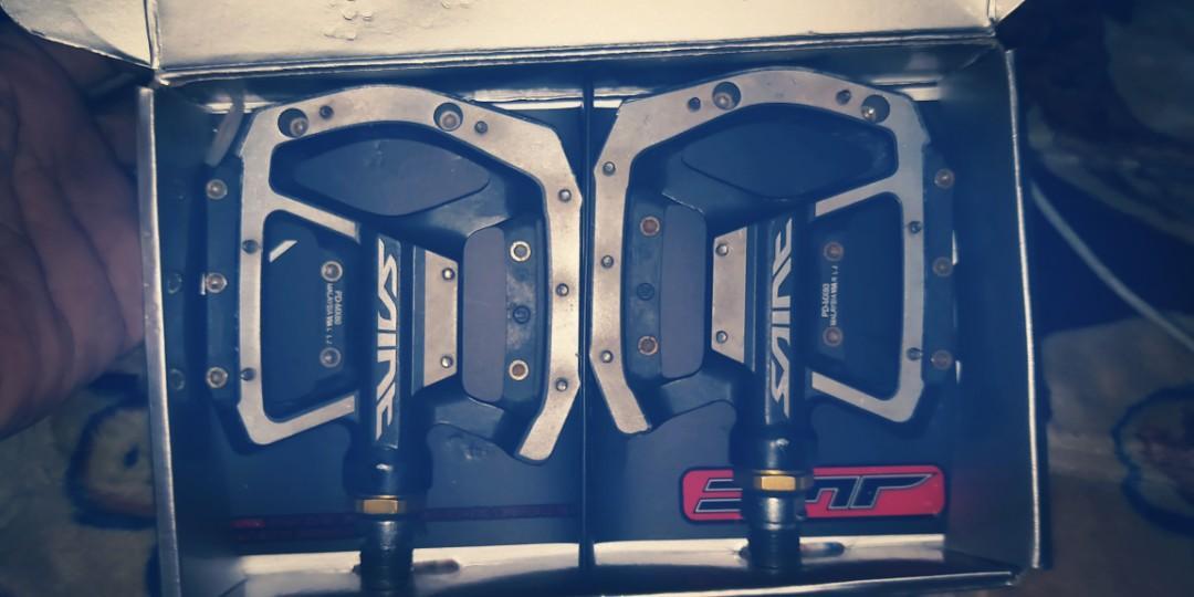 Shimano Saints Flat pedals