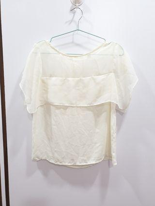 出清二手衣物 鵝黃米白網紗拼接雪紡短袖上衣