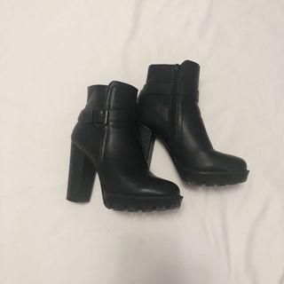 Black Platform Heeled Ankle Boots