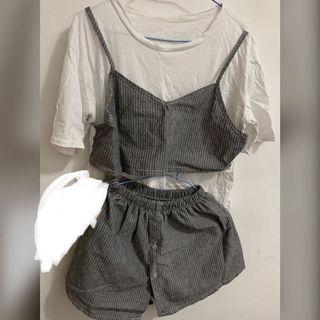 灰色條紋背心+褲裙套裝