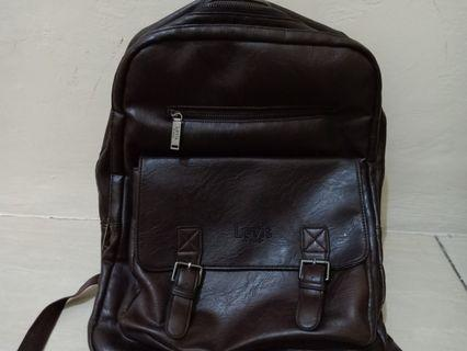 Ransel Levis dan Handbag