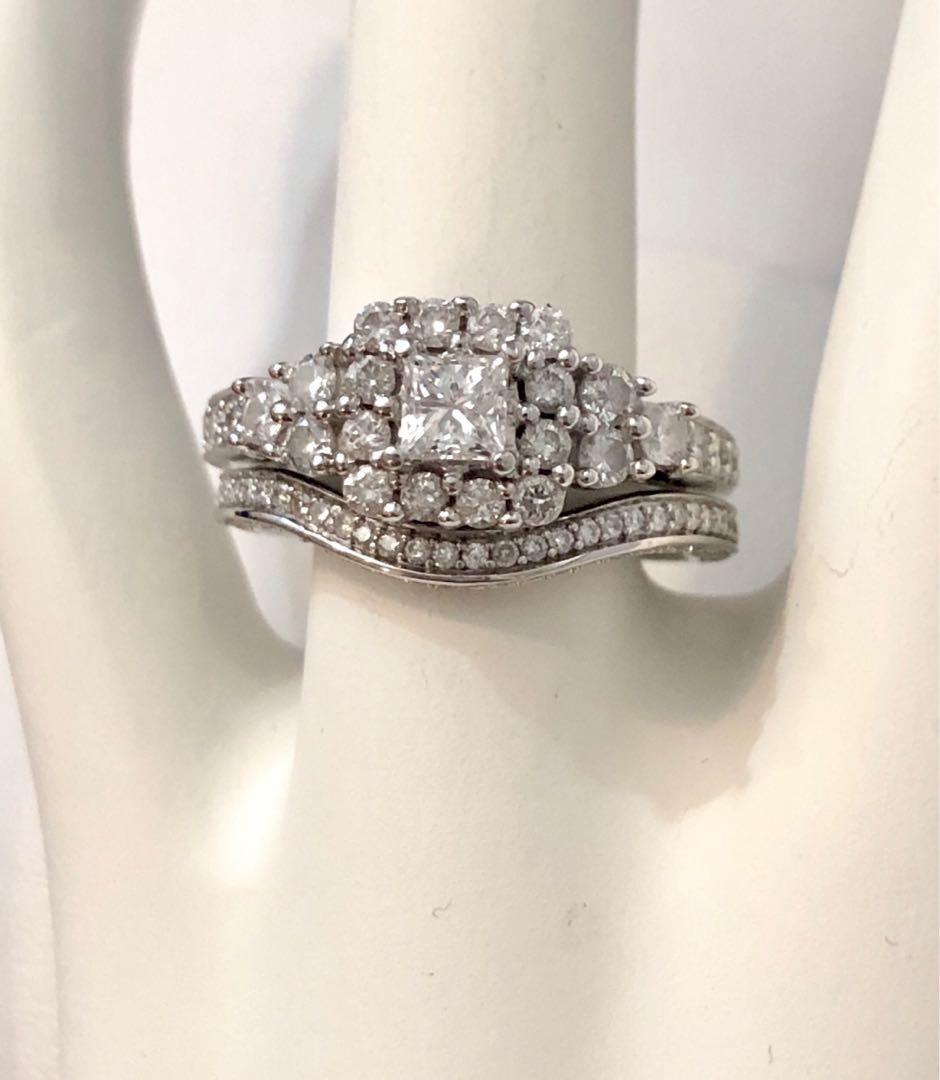 14k white gold Halo diamond engagement ring set *Appraised at $4,400