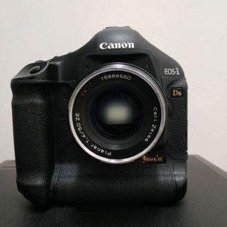 Zeiss 50mm f1.4 planar ze canon