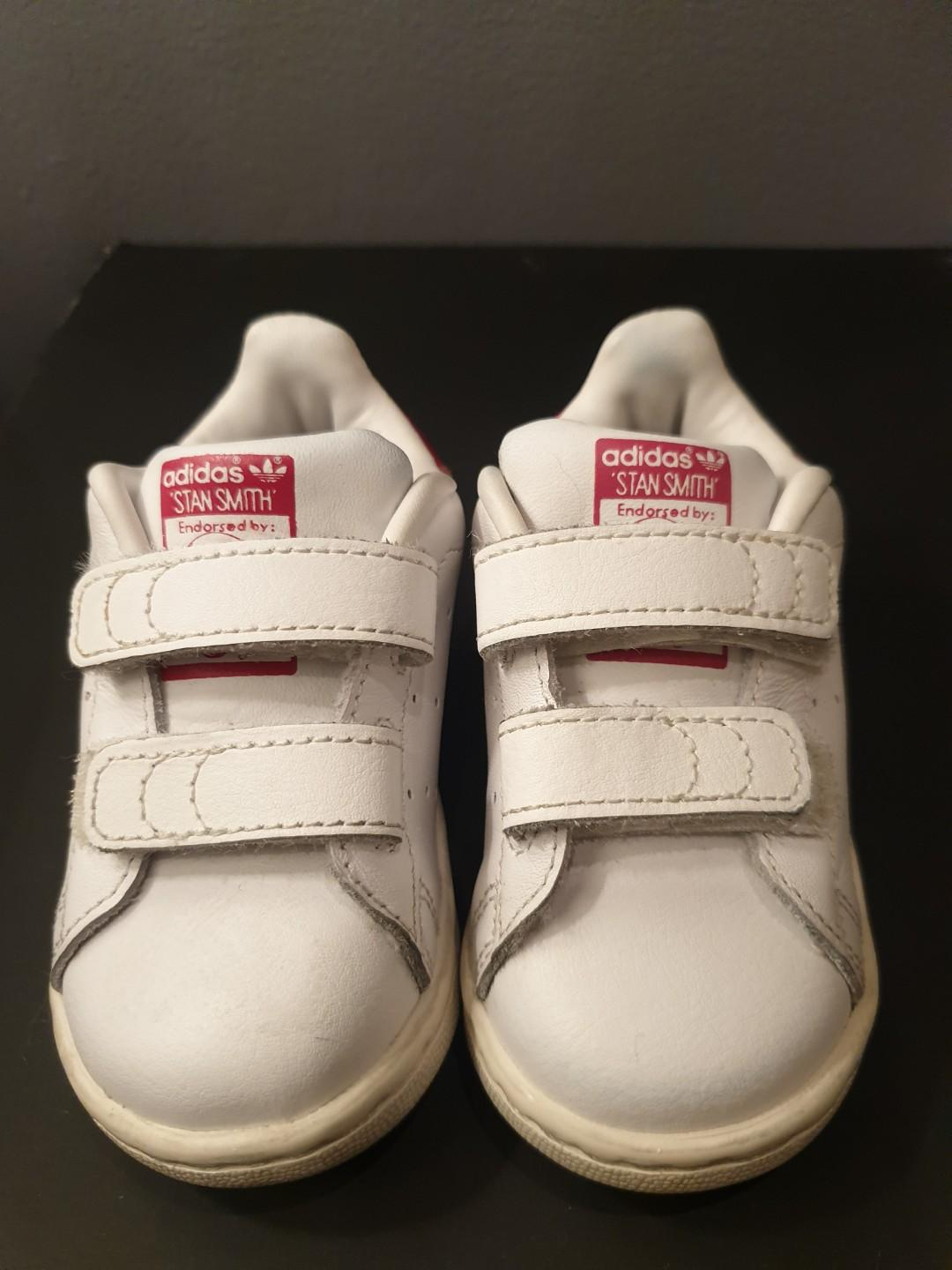 huge discount 90008 38e3f Adidas stan smith velcro toddlers shoes on Carousell
