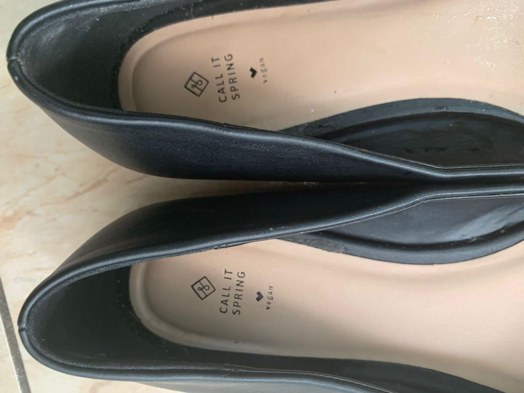 Brand New Call it Spring Black Leather Flats Size 9