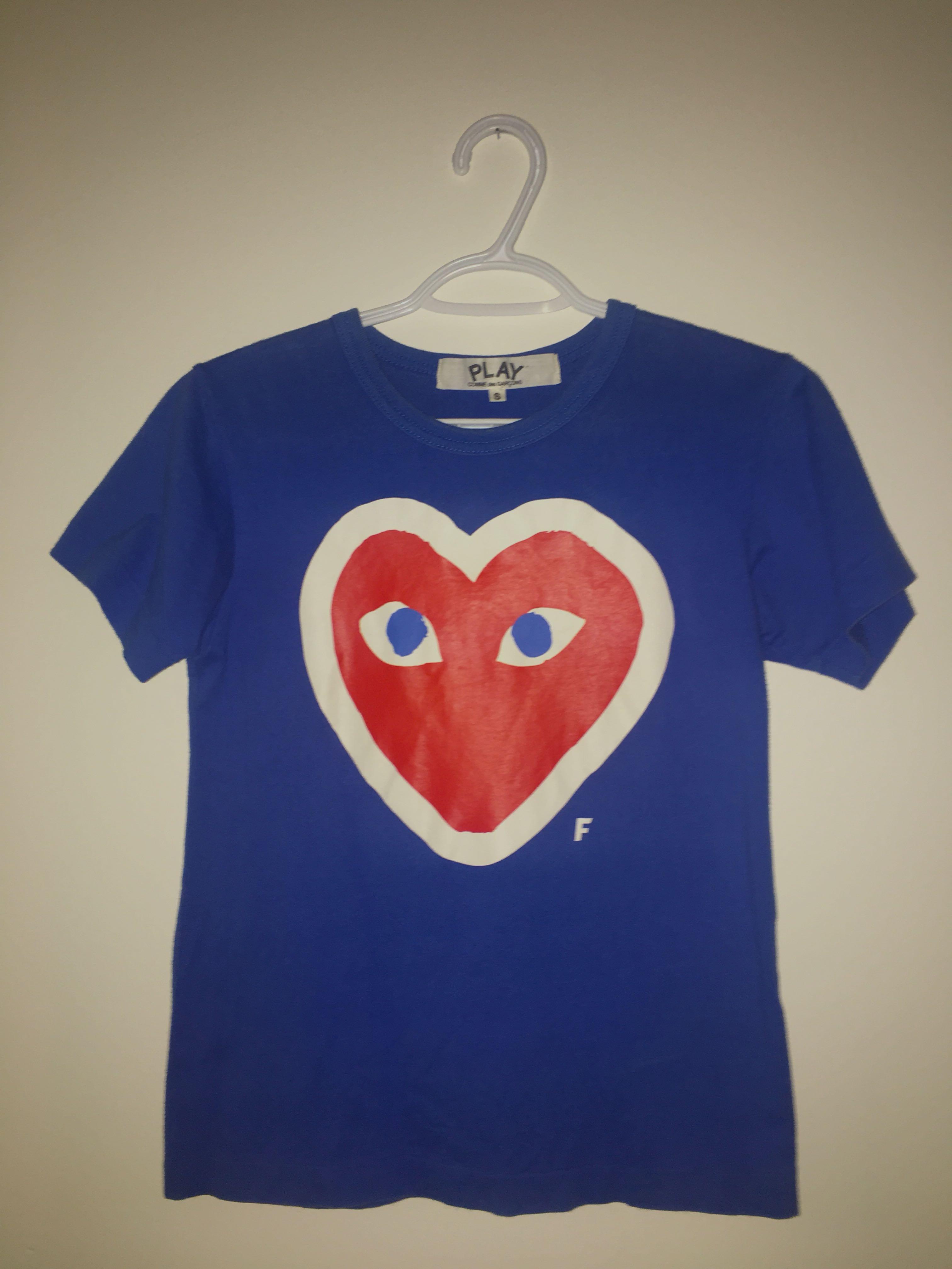 Comme Des Garçons T-shirt: Small