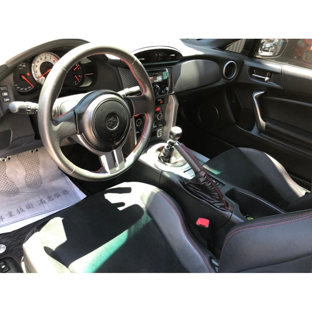 【FB搜尋桃園阿承】豐田 超人氣FT86 GT86跑5萬 手排 2015年 2.0 白色 二手車 中古車
