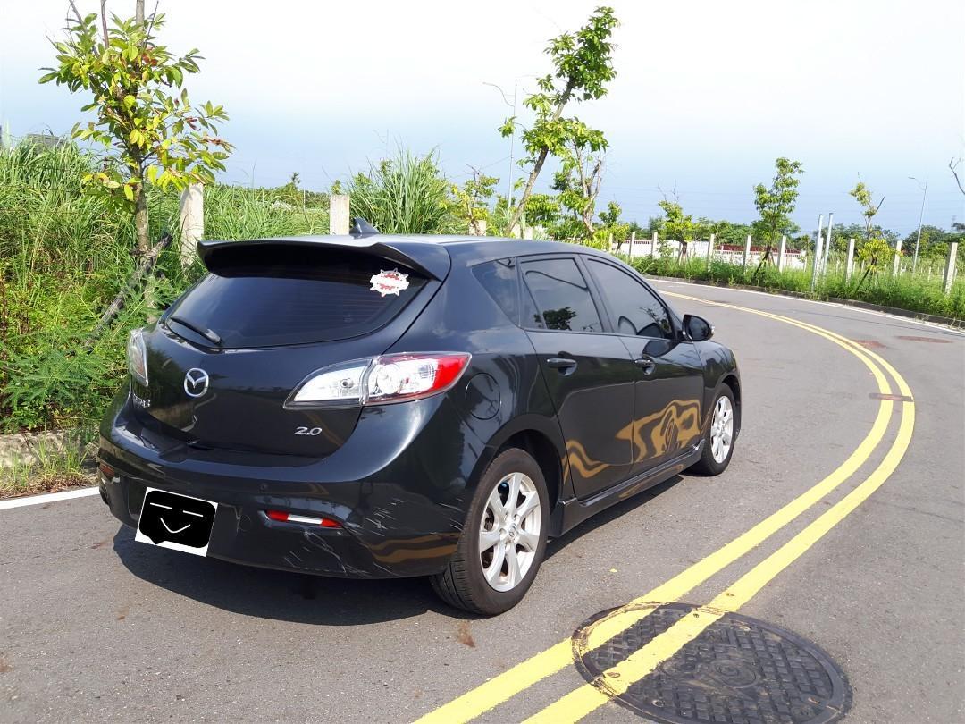 Mazda 3灰