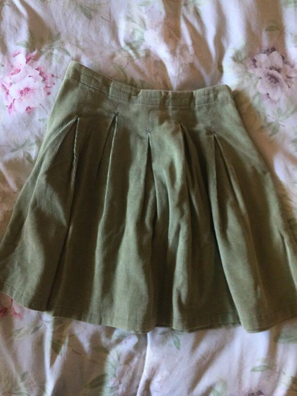 Seed girls mint green corduroy pleated skirt size 9-10