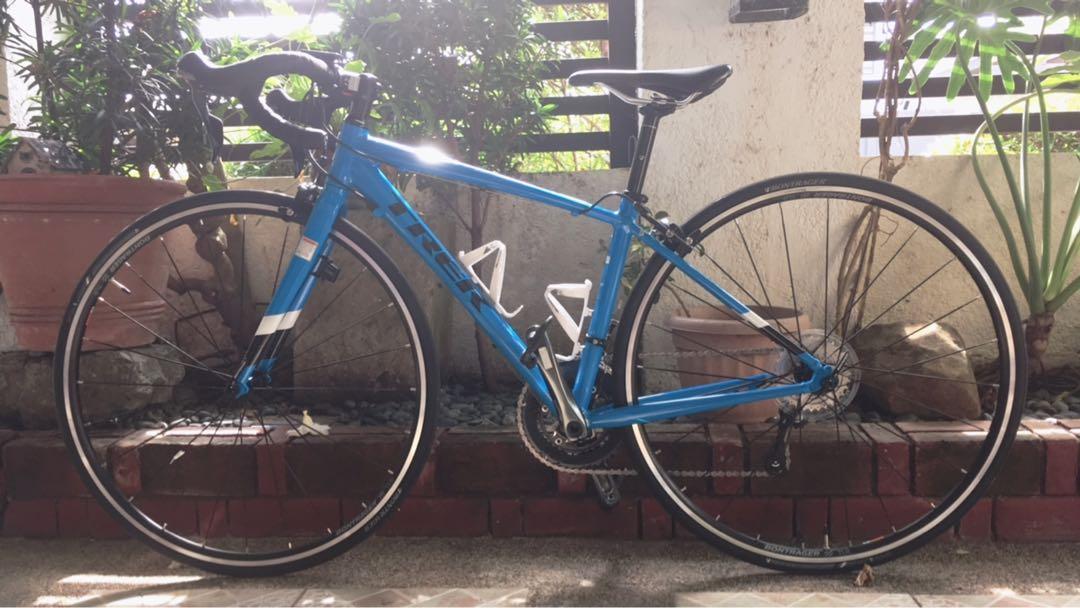 Trek road bike (Lexa- women's) on Carousell