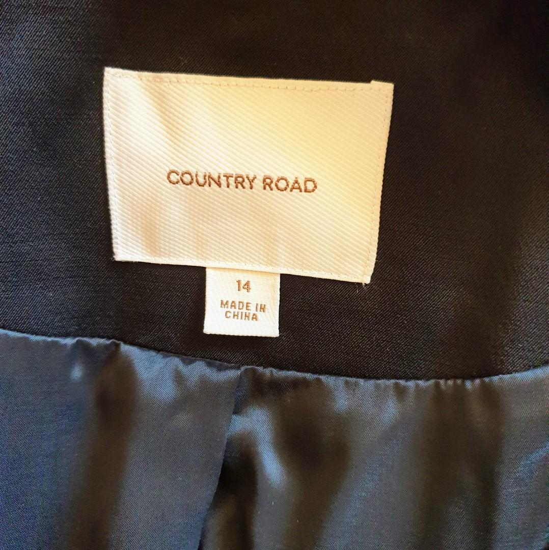 Women's size 14 'COUNTRY  ROAD' Gorgeous black blazer jacket, perfect for office