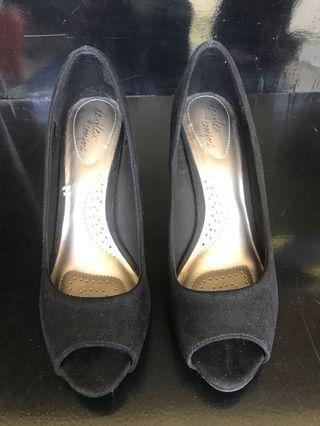 Tiptoe Black Suede Shoes