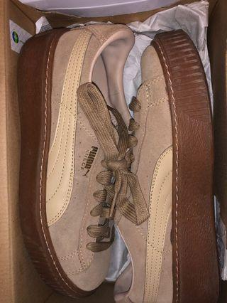 Puma creepers size 6.5 in good condition.