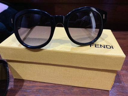 Kacamata fendi authentic