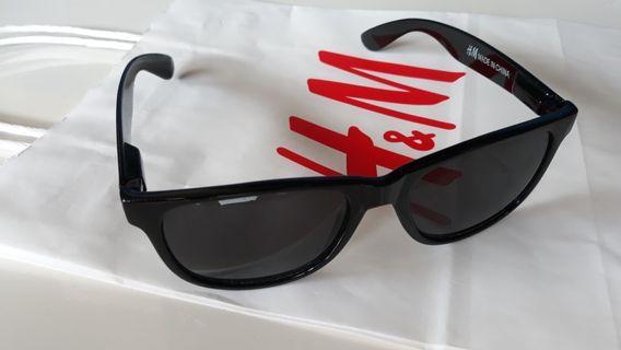 H&M eyewear ori