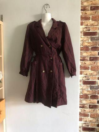 Trench coat in maroon m size