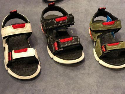 現貨 童鞋 大童小童 現貨 外面都要490元以上 我們只要150元 150元 買到賺到