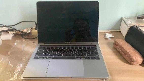 MacBook Pro 13 inch Touchbar (256GB)