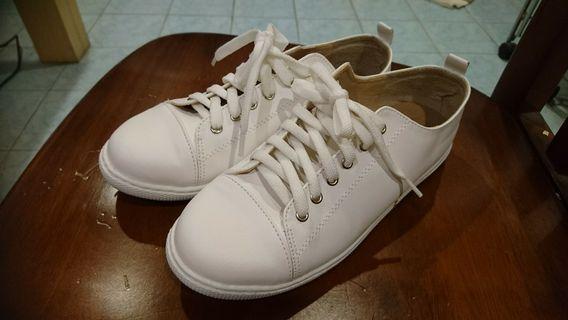 富發牌 小白鞋