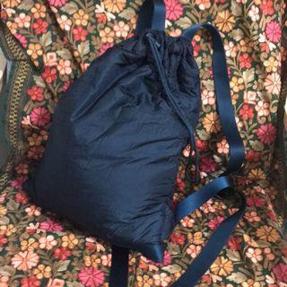 Uniqlo U 後背包 深藍色 百搭中性雙肩背包 #休閒#運動#百搭 #輕便#可調式